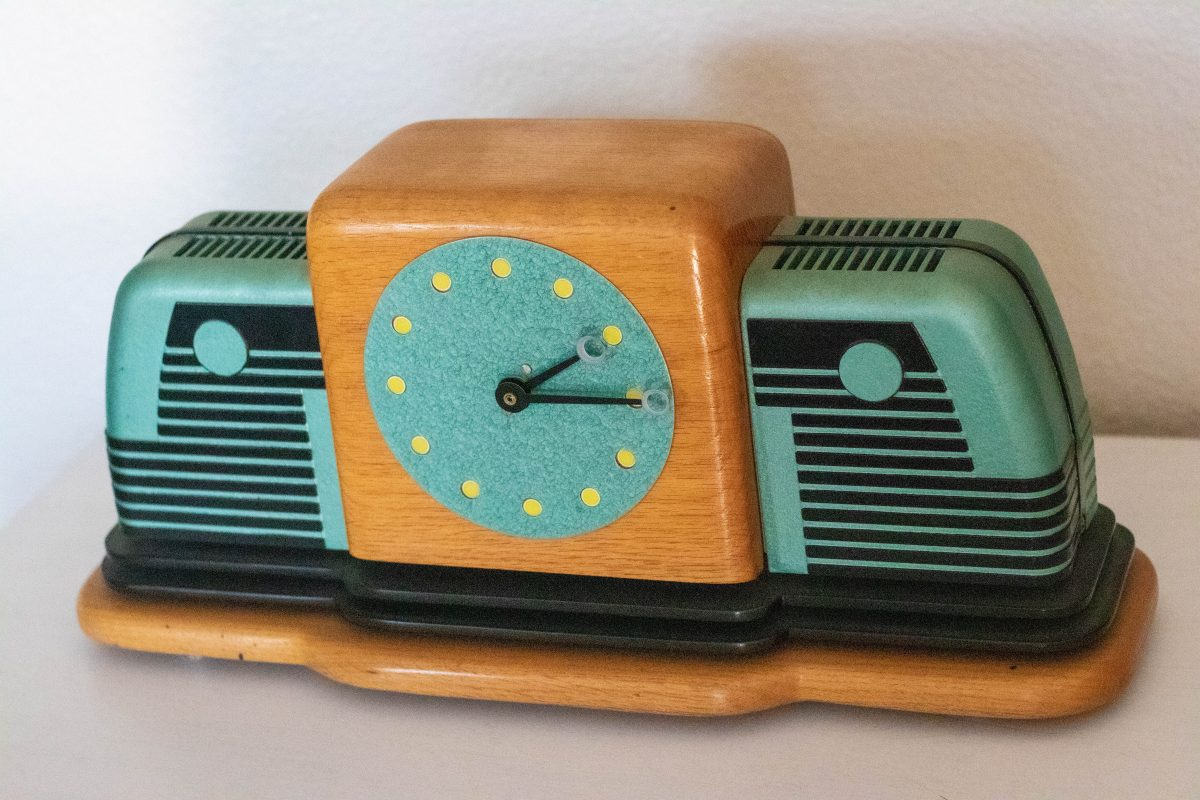 Film Strip Projector Clock - Jonathan Freyer